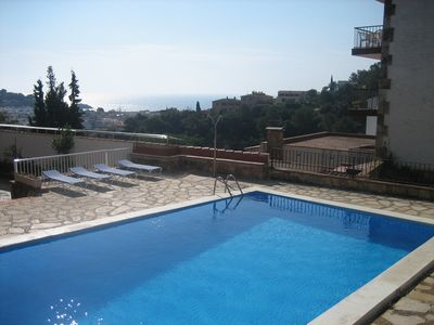 Photo for Apartments with sea views with pool, Wifi, AA