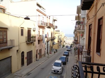 Photo for Apartment in the historic center with air conditioning, bed linen and towels