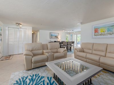 Photo for Beautiful Pool Home minutes from Siesta Key Beach and siesta village.
