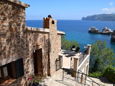 Photo for Idyllic 3 bedroom cottage with stunning sea views and direct access to Cala Deia