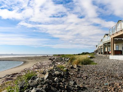 Photo for Oceanfront with hot tub, balcony, & fireplace. Dog-friendly!