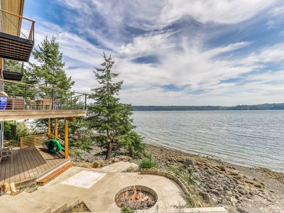 Photo for NEW LISTING! Family & dog friendly water front home w/ WiFi & full kitchen!