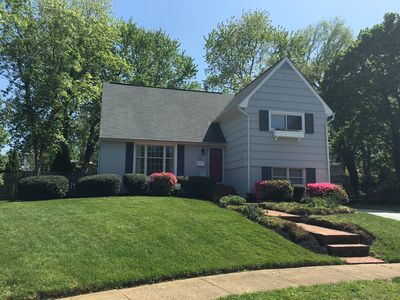 Photo for Feels like a bed and breakfast! This very cozy and welcoming home is located in a private cul-de-sac in Eastport.  Distance from USNA: 2.2 Miles  Distance from USNA Stadium: 2.8 Miles