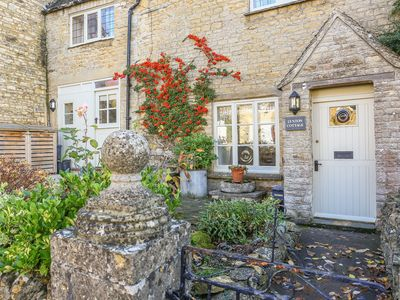 Photo for Lynton Cottage, CHIPPING NORTON