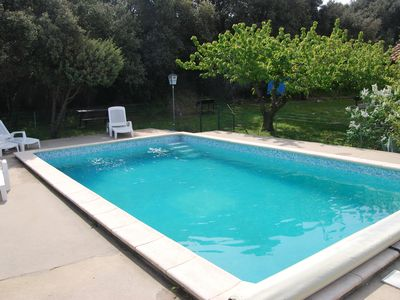 Photo for Between Avignon and Uzès, independent villa with swimming pool and garden.