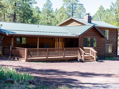 ***CUTE COZY CABIN IN THE PINES***PET FRIENDLY**FENCED YARD***