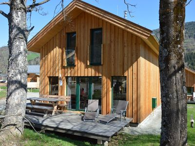 Photo for Detached, luxury chalet with infrared sauna and whirlpool, right by the piste