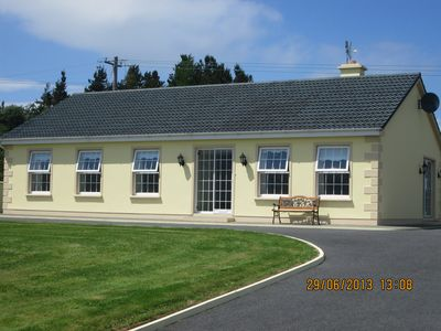 Photo for Cottage in a relaxing setting on the Ring of Kerry route on the Wild Atlantic /w