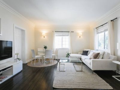 Photo for Well appointed 2br in the heart of Beverly Hills.