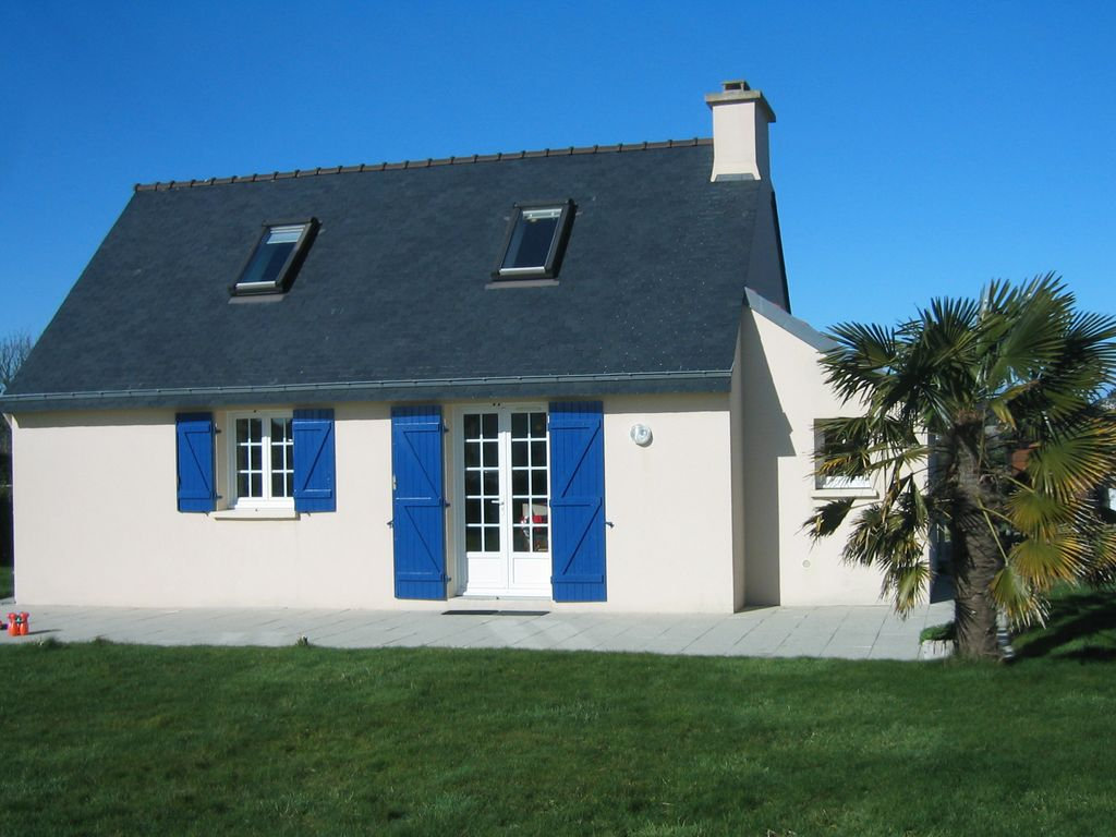 Petite maison bleue au port de portsall finist re for Abritel paimpol maison