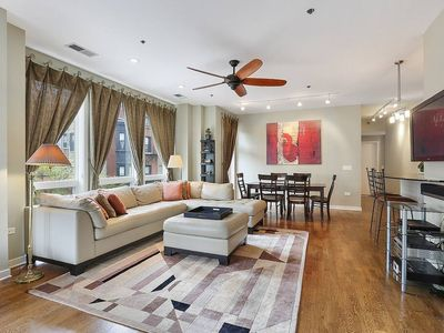 Photo for By the Park 2bd 3ba Lincoln Park, Chicago