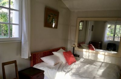Photo for Studio with swimming pool 5 minutes from Aix en Provence