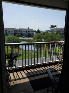 Photo for LINENS INCLUDED*!  Community Pool, Internet, Cute 2 bedroom/2bath condo in Creekwood