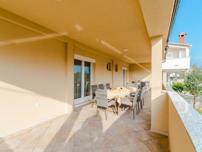 Photo for Four bedroom apartment with terrace Privlaka (Zadar)
