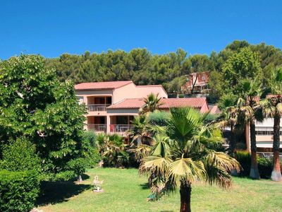 Photo for Inviting holiday park in the green, close to Bandol and the beach
