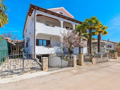 Photo for Apartments Nevenka, (14132), Novigrad, Croatia