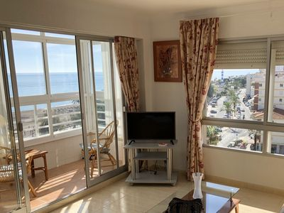 Photo for Apartment on the beachfront equipped and with excellent sea views