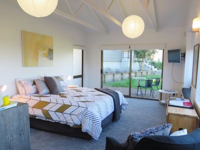 Photo for Pacific Place - Waiheke Escapes