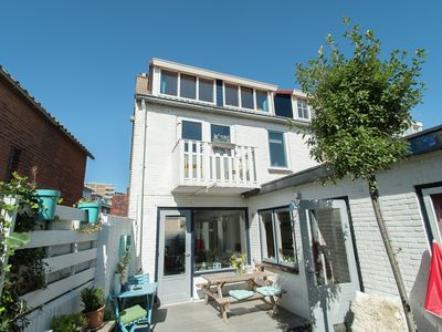 Photo for Beautiful cosy holiday home with fine terrace offering plenty of privacy in Egmond aan Zee
