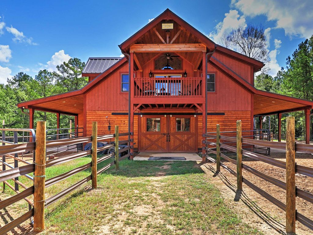 2BR Dry Branch Barn Apt on 488 Acres w/... - HomeAway Dry Branch
