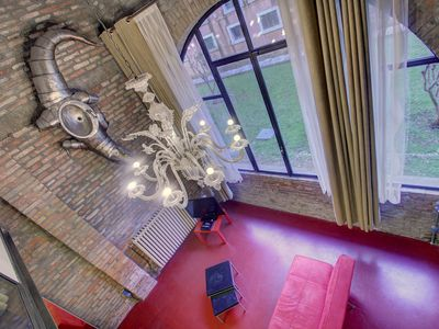 Photo for BIENNALE CROCODILE LOFT 5pax, 2beds, Wifi, Aircond