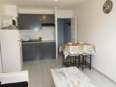 Photo for Apartment Sète, 1 bedroom, 2 persons