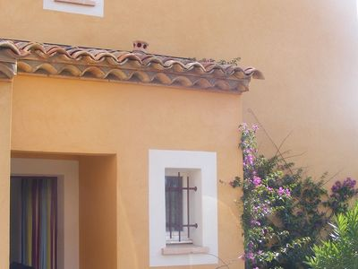 Photo for Attractive, semi-detached villa 2/4 persons Provencal style