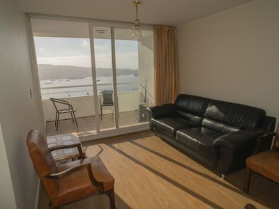 Photo for Spacious apartment with beautiful view of the bay of Valparaiso