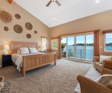 South Master Suite with king bed, en-suite with jetted tub, and private deck