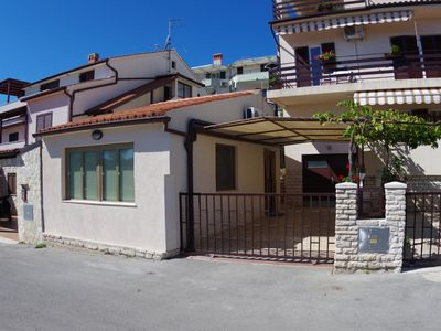 Photo for Holiday apartment only 150m from the beach, Pješčana uvala