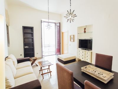 Photo for Spacious and beautiful apartment in the center of Seville