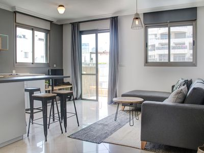 Photo for 1 Bedroom (Charming) Apartment - 13 - 20 Allenby Street.