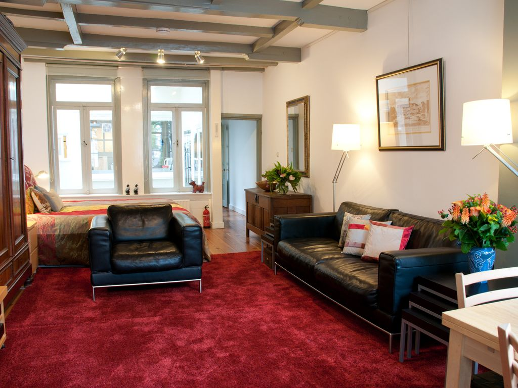 Amsterdam Canal Apartments: Comfortable And Central Stay In The Canal Area