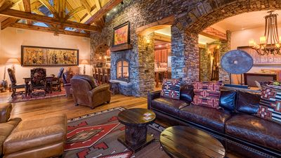 Photo for See Forever Summit Cabin 154: 4 BR / 4 BA condo in Mountain Village, Sleeps 10