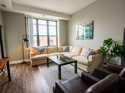 Photo for Spacious 3BR McCormick Place Apt by Domio