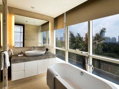Photo for Three-bedroom Suite At Oakwood Suites La Maison