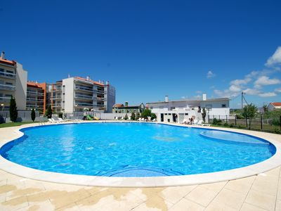 Photo for Parasol - 2 bedroom apartment with pool, free Wi-Fi, 250 m from the beach