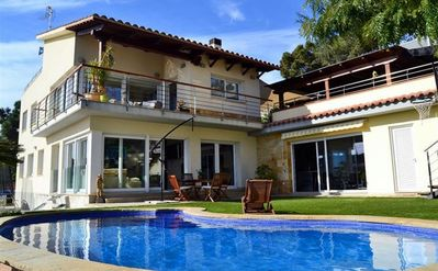 Photo for Stunning villa with pool and beautiful views of the Mediterranean Sea