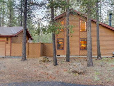 Photo for Cabin-style house w/ a private hot tub and SHARC access!