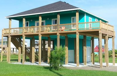 Photo for Come enjoy all Crystal Beach has to offer at this laid back friendly getaway