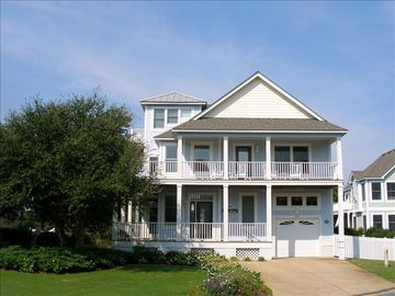Coastal Cottage in Corolla for Fabulous Golf & Beach Vacation