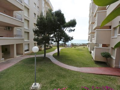 Photo for Nice apartment for 6 guests with pool, TV, balcony, pets allowed and parking