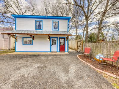 Photo for Adorable first floor dwelling near Main Street w/ full kitchen & free WiFi!