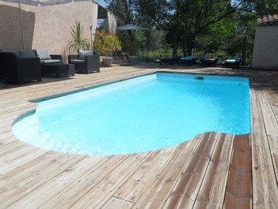 Photo for Provencal villa, quiet, air conditioned, with heated pool and master suite
