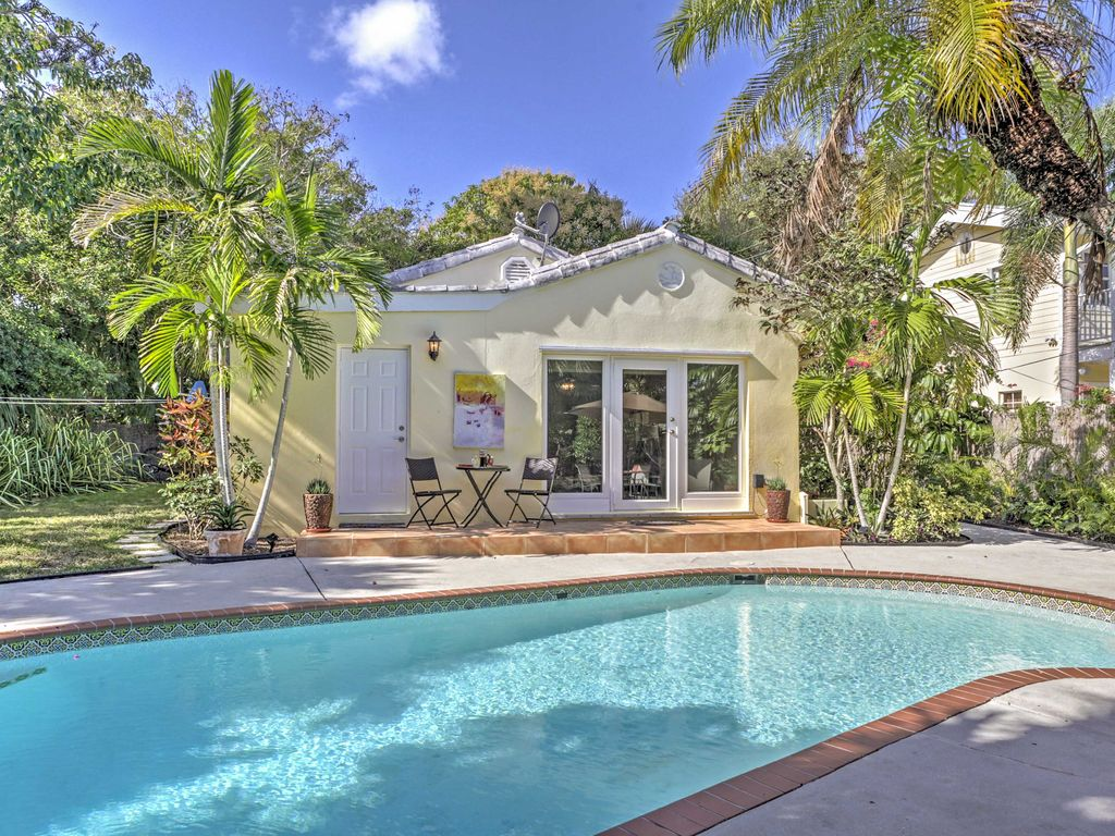 West Palm Beach Home W Private Pool