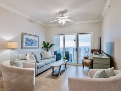 Beach front, clean, comfy, updated, and with a fabulous location! Gorgeous views