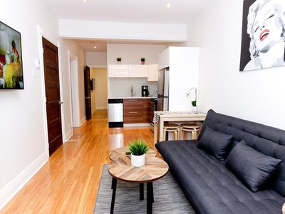 Beautiful And Cozy 2 Bedroom In The Heart Of Montreal