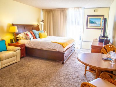 Marine Surf Studio - Free Parking, walking distance to Waikiki beach, close to everything