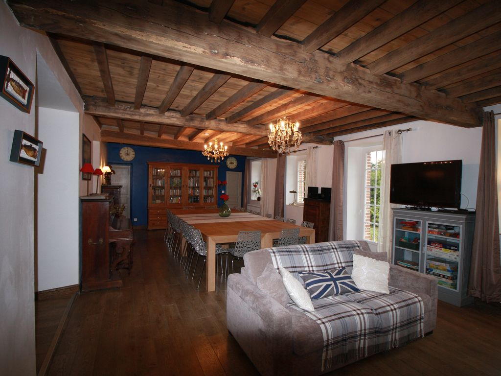 beautiful large stable farm with playroom 15 minutes from amiens homeaway. Black Bedroom Furniture Sets. Home Design Ideas