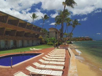 Photo for Fully-Renovated Beachfront Condo Near Ka'Anapali: Kulakane 202